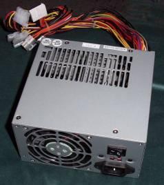 FSP-300 güç kaynağı Enermax EG465P-VE'ye kafa tutuyor