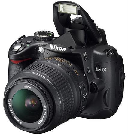 Nikon D5000; D-SLR kameralarda video kaydı yaygınlaşıyor
