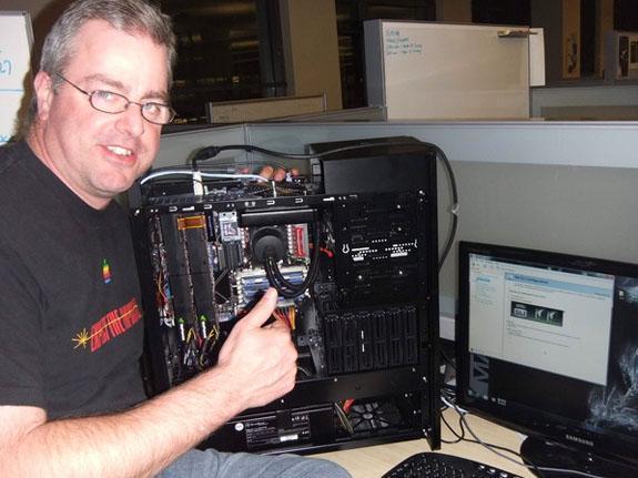 Nvidia Fermi'den SLI pozu: Çalışan sistemde iki adet GF100!