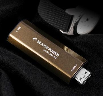 Silicon Power eSATA desteği de sunan yeni USB belleğini duyurdu