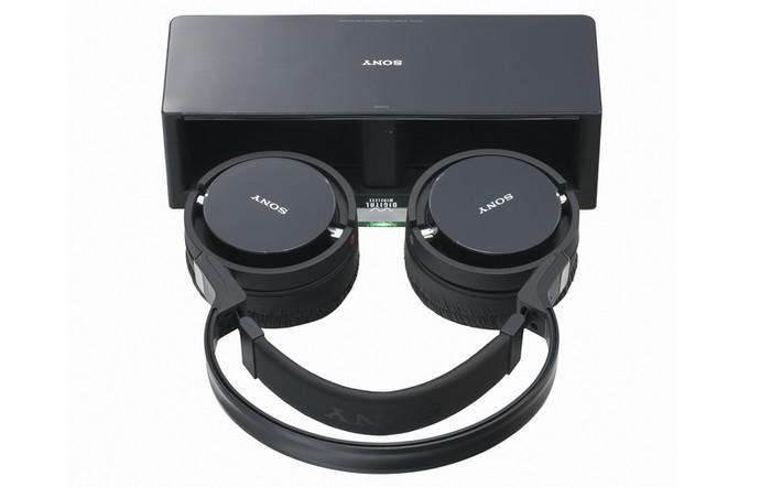 Sony'den 2 yeni kablosuz kafa üstü kulaklık