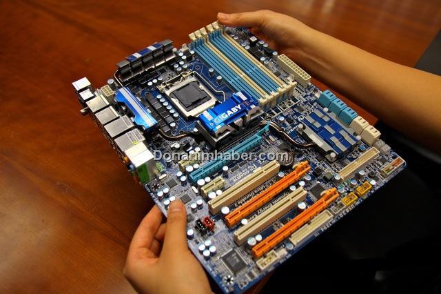 Gigabyte P55-UD6: Core i5 işlemciler için performans ve hız aşırtma çözümü