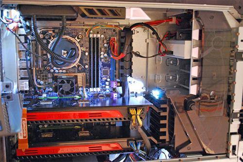 Alienware oyuncu bilgisayarı Area-51 ALX'i Core i7 980X ile güncelledi