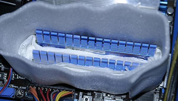 Sıvı Azot ile soğutulan DDR3 bellek kitiyle 2600MHz CAS8 değerlerine ulaşıldı
