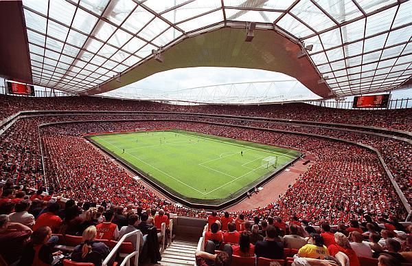 Arsenal-Manchester United karşılaşması canlı yayınlanan ilk 3D futbol maçı olacak
