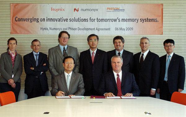 Hynix, Numonyx ve Phison, yeni NAND kontrolcüleri için iş birliğine gitti