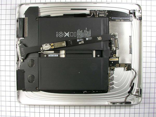 FCC'nin fotoğraflarıyla iPad'in donanımı
