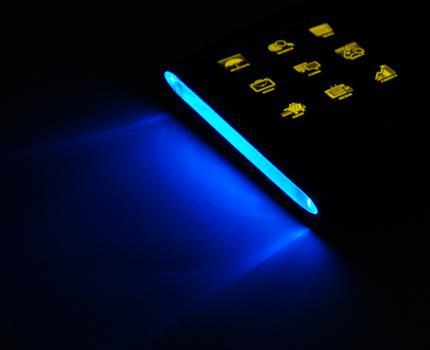 OCZ, OLED teknolojili yeni klavyesi Sabre'yi satışa sundu