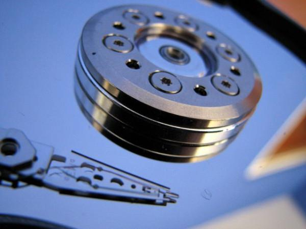 2.5TB kapasiteli sabit disklerin 2010 başında gelmesi bekleniyor