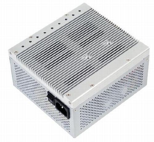 SilverStone 400 Watt kapasiteli ve pasif soğutmalı yeni güç kaynağını satışa sunuyor