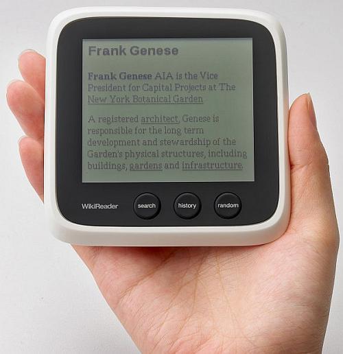 WikiReader ile üç milyon Wikipedia sayfasını yanınızda taşıyın