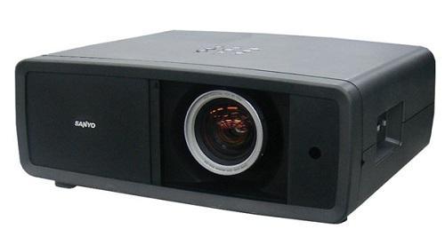 Sanyo, yeni projeksiyon cihazı PLV-Z4000'ü tanıttı