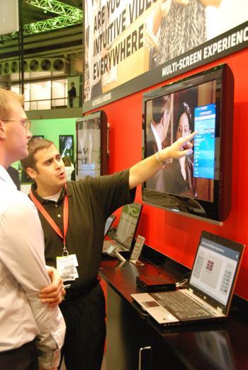 Motorola'dan Çok Ekranlı Video Çözümleri ve Çevre Dostu Yeni Ürünler