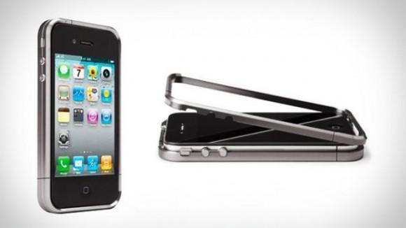 Titanyum kasa ile iPhone 4'ünüze üst düzey koruma