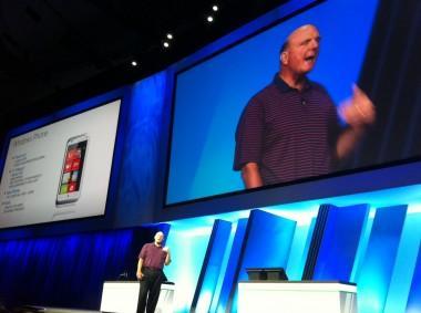 Ballmer : Windows telefonların satışı iyi gitmiyor ancak endişelenmiyoruz