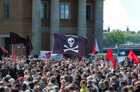 Almanya Berlin eyalet seçimlerinde Korsanlar Partisi meclise girmeyi başardı
