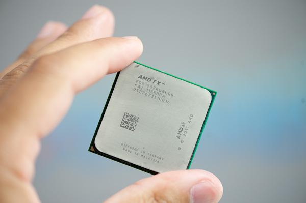 AMD'nin FX işlemcileri 1.2 milyar transistöre sahip