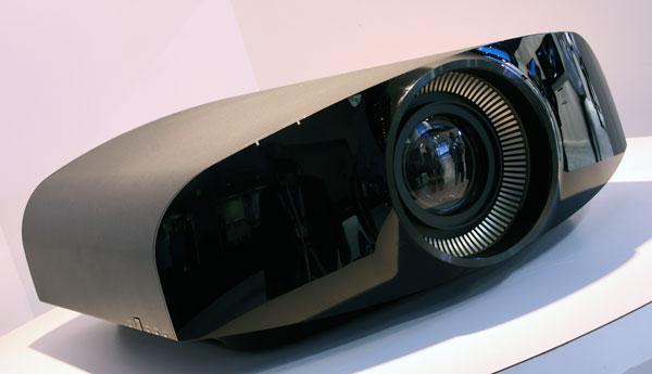 Sony'den 4K çözünürlükte ev sineması projeksiyon cihazı Ocak'ta 18 000£ etiketiyle satışa sunulacak