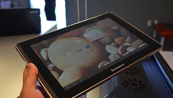 CES 2012 : Lenovo da 4 çekirdekli tablet yarışına katıldı