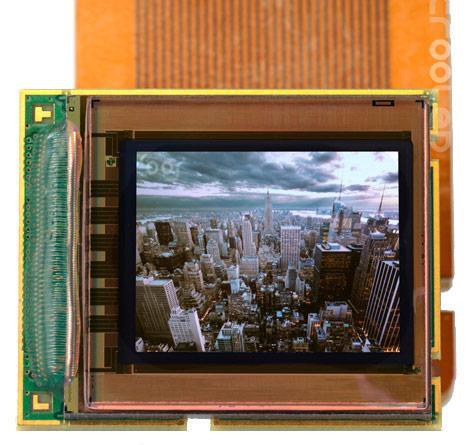 MicroOLED, 0.61 inçlik tek renkli ekrana 5.4 megapiksel yoğunluk sığdırabiliyor