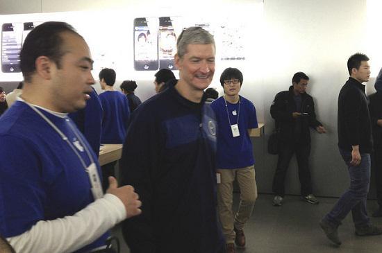 Tim Cook gelecekteki yatırımlar için Çin'i ziyaret etti