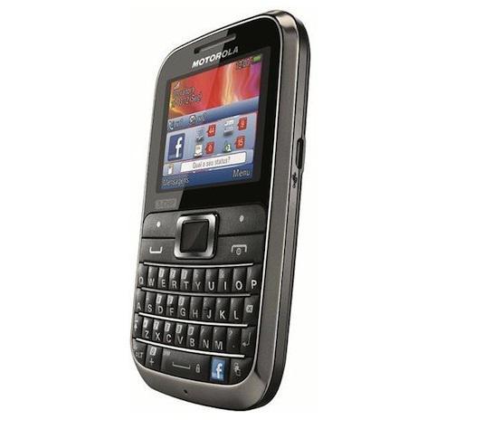 Motorola, 3 SIM kartlı Motokey 3-Chip modelini Brezilya'da satışa sundu