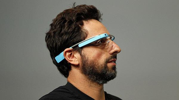 Google Glass'ın arayüzüne ait detayların sergilendiği yeni bir video yayınlandı
