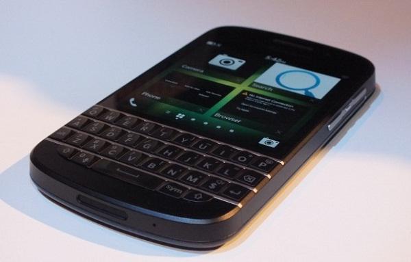 BlackBerry Q10 satışları, İngiltere'de beklenenden daha iyi bir performans sergiledi