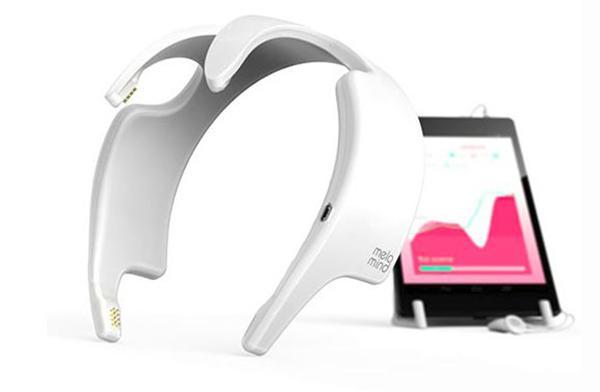 Melomind kulaklık birimi, beyin dalgalarına göre müzik çalarak stres ile mücadele sağlıyor