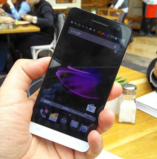 Escort Joye'nin yeni telefonu E8 lanse ediliyor