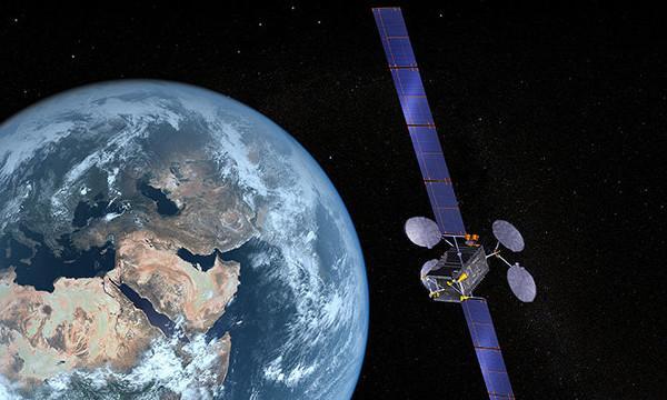 Dev teknoloji firmaları iletişim uydusu satın alma peşinde