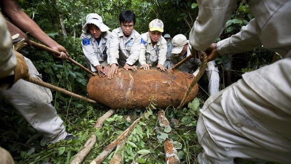 İnsansız hava araçları Laos'ta patlamamış bombaları arayacak