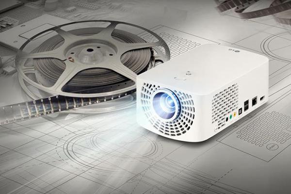 LG, portatif Minibeam ailesine iki yeni projektör modeli eklediğini duyurdu
