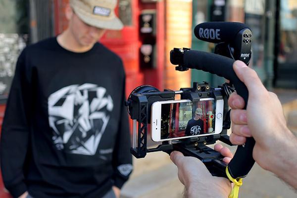 Beastgrip Pro: Akıllı telefonlarla profesyonel seviye çekimler hedefleyenlere