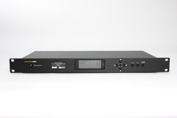 FM radyo teknolojiye yenik düşüyor