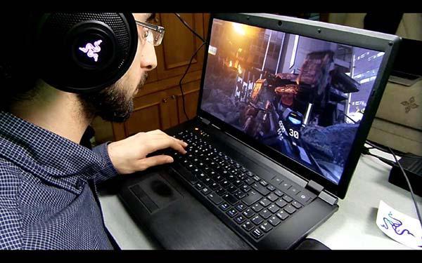 Razer Kraken 7.1 Chroma Oyuncu Kulaklığı video inceleme