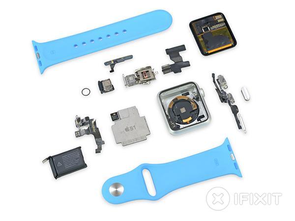 iFixit, Apple Watch Sport'un içini amayı bitirdi, çelik versiyona devam ediyor