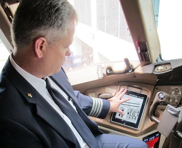 American Airlines, iPad uygulama hatası nedeniyle birçok uçuşunu ertelemek zorunda kaldı