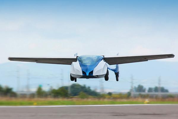 Uçan otomobil Aeromobil, deneme uçuşlarında büyük bir sorun yaşadı