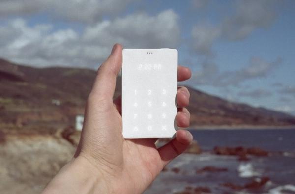 Light Phone projesi yükünüzü hafifletmeyi amaçlıyor