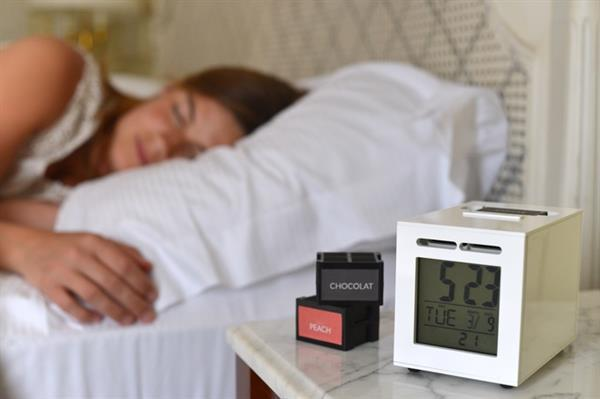 Koku ile uyandıran alarm : SensorWake