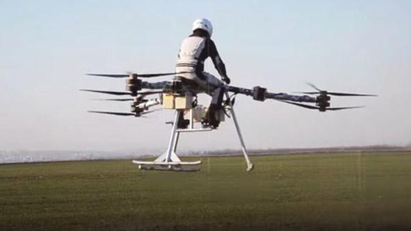 Hoverbike ile insanlı ilk uçuş gerçekleştirildi
