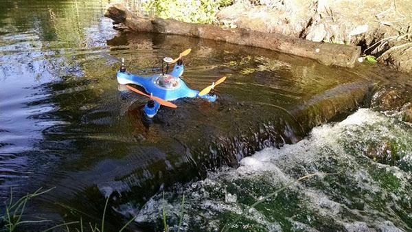Balıkçılara özel su geçirmeyen dört pervaneli hava aracı: Aguadrone