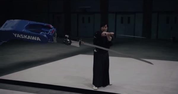 Samuray kılıcını ustalıkla kullanabilen robot: Motoman-MH24