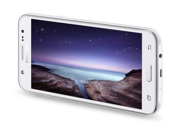 Ön flaşa sahip Samsung Galaxy J7 ve Galaxy J5 resmiyet kazandı