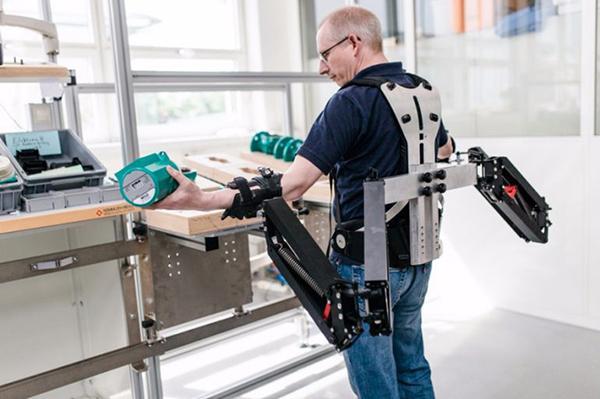 Mekanik dış iskeletlerin gelişimi endüstriye yöneliyor!
