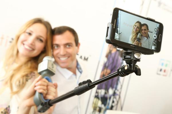 Video odaklı gelişmiş özçekim çubuğu: SoloCam