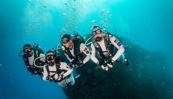 NASA astronotları uzay yürüyüşü antrenmanı için su altına yollayacak