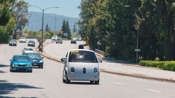 Google'ın sürücüsüz araçları yola çıktılar!