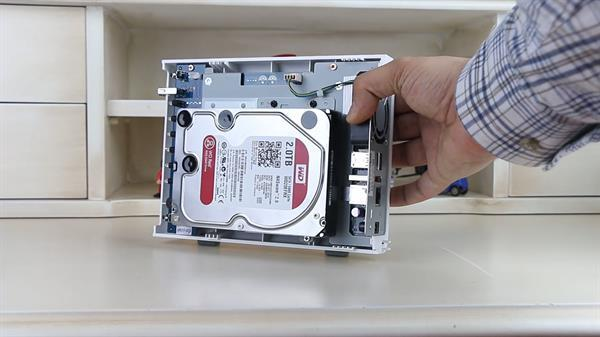 Qnap TS-112P ev ve küçük iş yeri tipi NAS video inceleme